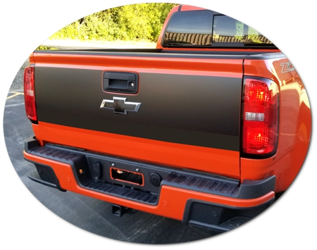 Chevrolet Colorado Tailgate Black Out Kit